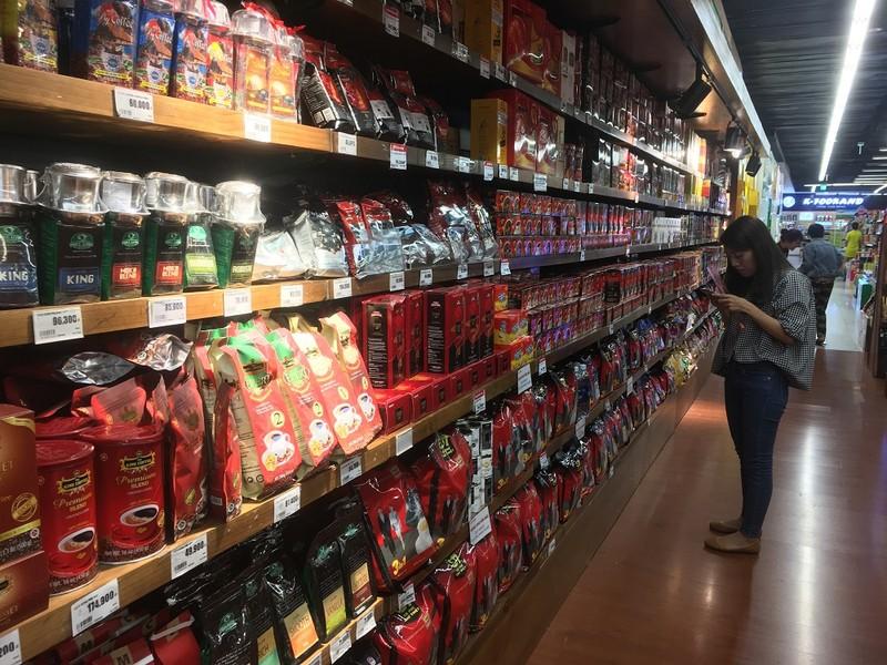 """Cà phê Việt đang tìm đường """"lên thẳng"""" các quầy kệ ở các siêu thị lớn trên thế giới"""