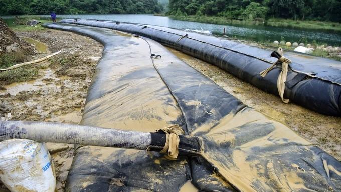"""Sau sự cố nước nhiễm dầu thải: """"Nói an toàn tuyệt đối thì không thể vì không có cái gì an toàn tuyệt đối cả""""."""