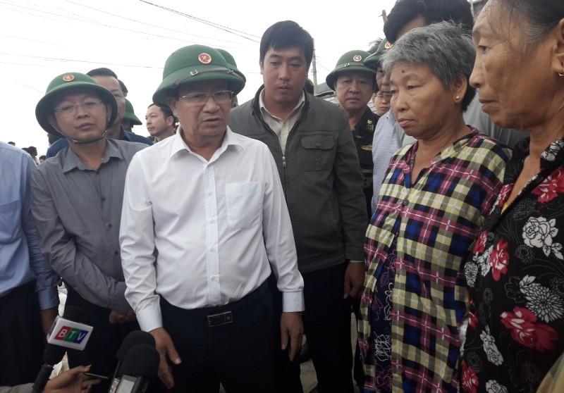 Phó Thủ tướng Trịnh Đình Dũng kiểm tra tình hình chống bão số 6 tại Bình Định