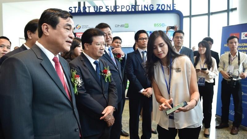 Việt Nam - Hàn Quốc: Nâng kim ngạch thương mại lên 100 tỷ USD vào 2020