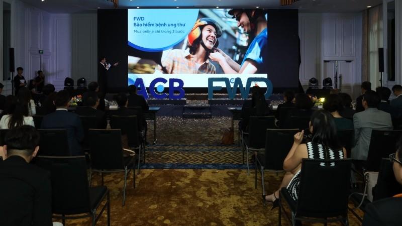 ACB và FWD hợp tác phân phối bảo hiểm trực tuyến qua ngân hàng đầu tiên tại Việt Nam