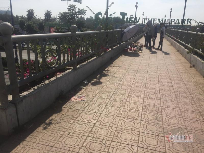 Nữ sinh tử vong bất thường trên cầu bộ hành ở cửa ngõ Sài Gòn