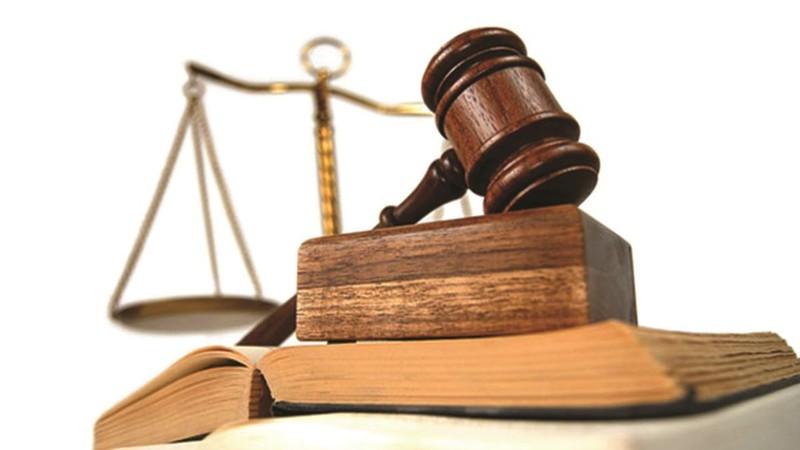 Áp dụng biện pháp khẩn cấp tạm thời trong khi tạm đình chỉ giải quyết vụ án