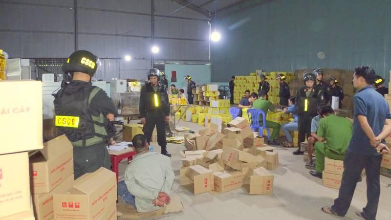 Bắt chủ cơ sở sản xuất nước giải khát giả ở Đồng Nai