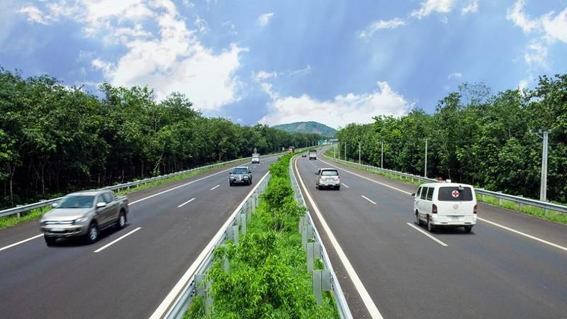 Cách xử lý khi phương tiện gặp sự cố trên đường cao tốc HLD