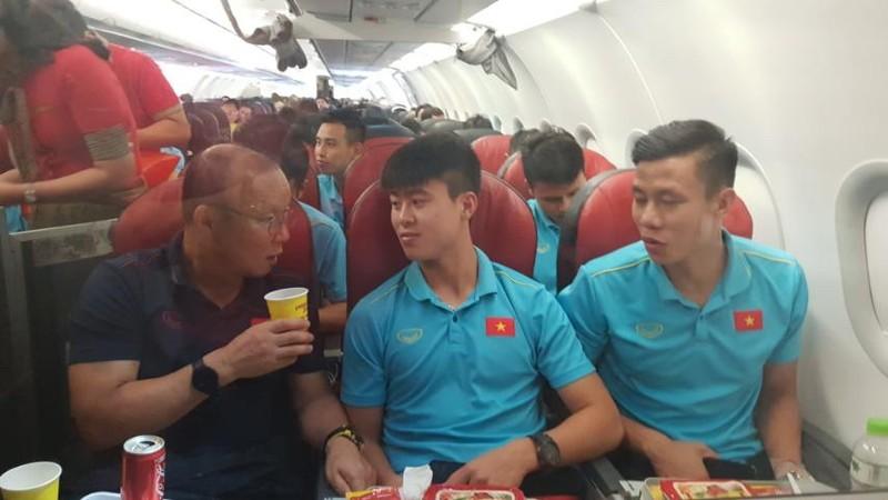 Vietjet tặng 1 năm bay miễn phí khắp châu Á cho đội bóng đá nam cùng gia đình ngay sau phần thưởng cho đội nữ vô địch SEA Games