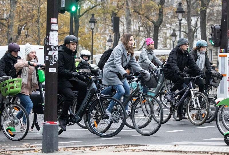 Chưa bao giờ lại có nhiều người đạp xe ở Paris đến như vậy