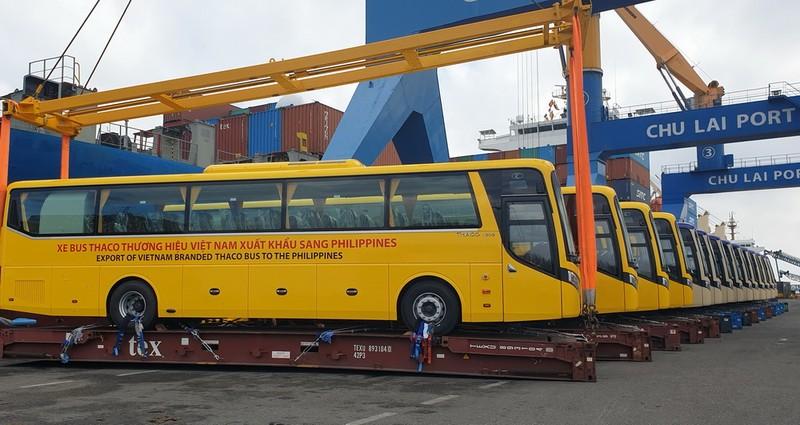 Những chiếc xe buýt đầu tiên của Thaco xuất khẩu sang Philippines