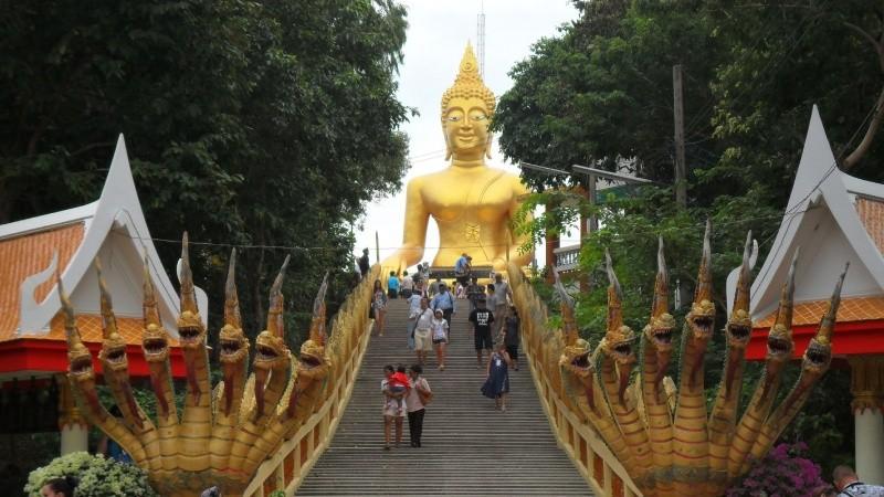 Thái Lan được biết đến là Vùng đất của những chiếc áo cà sa
