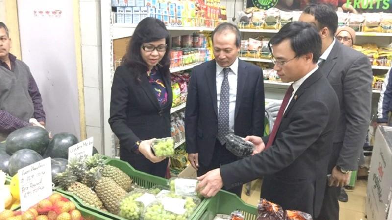 Một siêu thị tại Ấn Độ có sức tiêu thụ tới 5.000 tấn trái cây/tháng