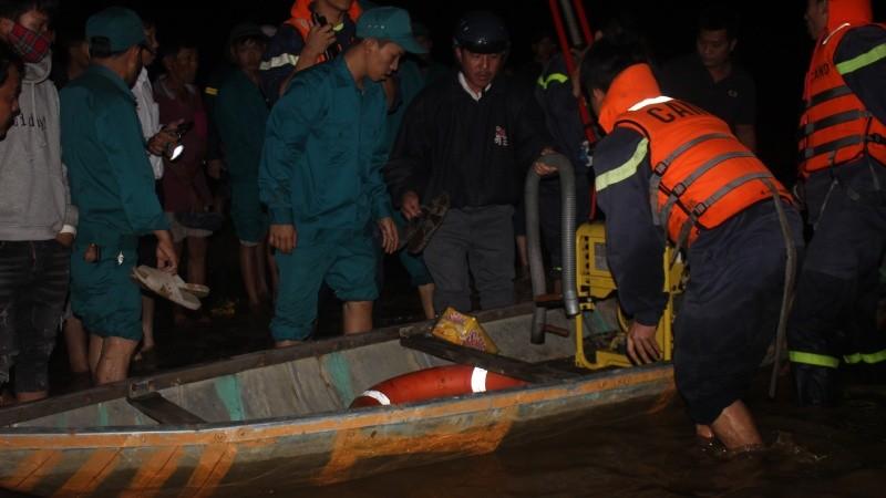 Tang thương vụ chìm đò trên sông Vu Gia