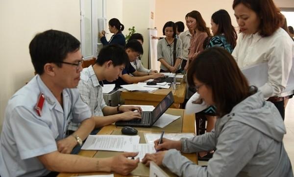 Doanh nghiệp nợ BHXH, BHYT tại Hà Nội ký vào biên bản thanh tra