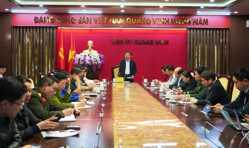 Đồng chí Nguyễn Xuân Ký, Bí thư Tỉnh ủy, Chủ tịch HĐND tỉnh Quảng Ninh chỉ đạo tại cuộc họp. Ảnh baoquangninh.com.vn