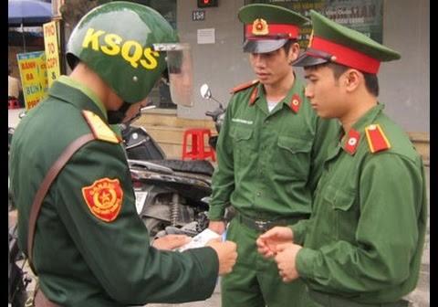 Lực lượng kiểm soát quân sự kiểm tra việc chấp hành kỷ luật quân đội của quân nhân. Ảnh minh họa