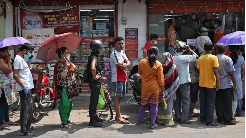 Ấn Độ: Người dân ồ ạt tích trữ lương thực sau lệnh phong tỏa