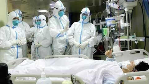 Tự uống thuốc chữa sốt rét để chống Covid-19 có nguy cơ tử vong cao