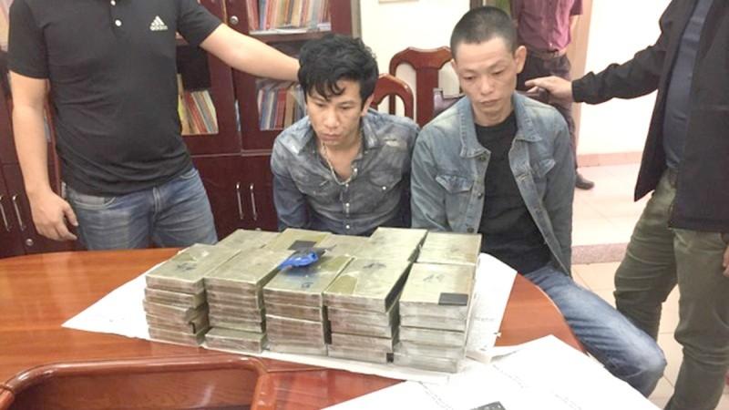 Công an Hà Nội bắt giữ đối tượng mua bán, vận chuyển trái phép ma túy.