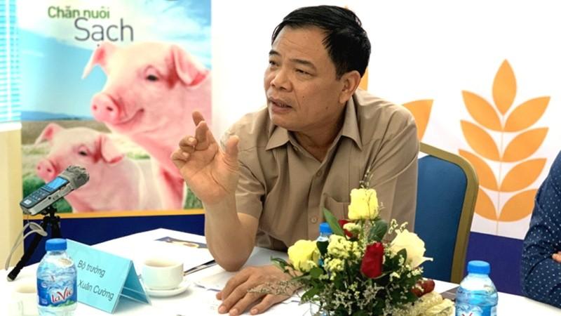 Theo Bộ trưởng Nguyễn Xuân Cường, mỗi quý cả nước cần 910.000 tấn thịt lợn, trong khi vừa qua mới đạt 820.000 tấn