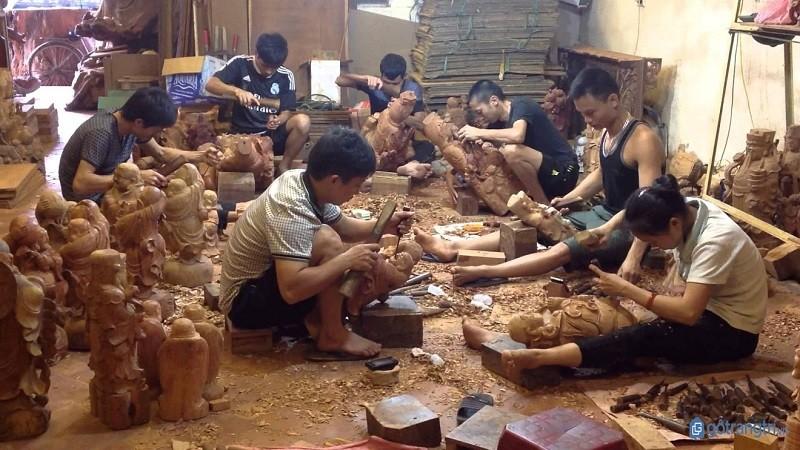 Làng nghề gỗ Đồng Kỵ với 1.500 cơ sở chế biến quy mô hộ gia đình hiện đang phải tạm dừng sản xuất hoặc hoạt động với quy mô co giảm.