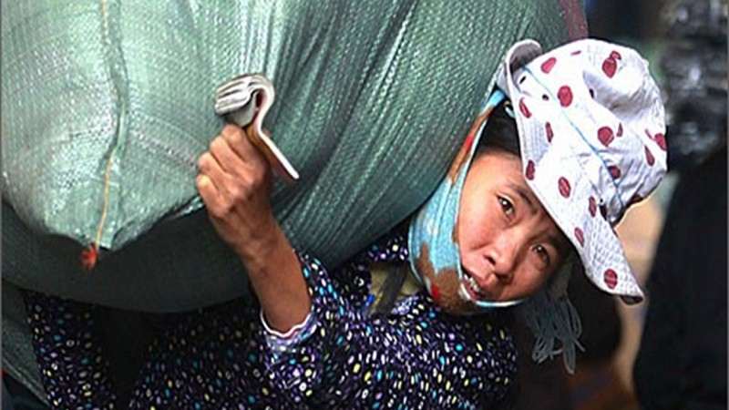 Sử dụng lao động nữ và trẻ vị thành niên: Những hành vi nào bị phạt tiền từ ngày 15/4?