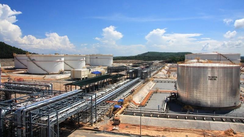 Cung cấp dầu thô để sản xuất xăng ở Nhà máy lọc dầu Bình Sơn là một giải pháp PVN đưa ra trong bối cảnh giá dầu đang giảm mạnh