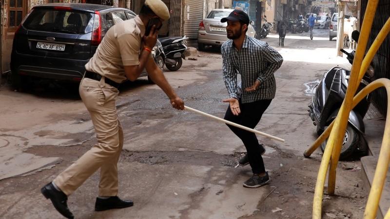 Hàng trăm cảnh sát Ấn Độ dương tính với Covid-19