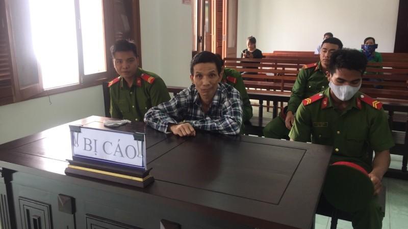 Bị cáo Tâm lúc Hội đồng xét xử đang nghị án