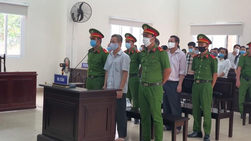 Nguyên Bí thư Bến Cát bị tuyên 10 năm tù: Viết đơn kháng cáo kêu oan ngay tại phòng xử sơ thẩm