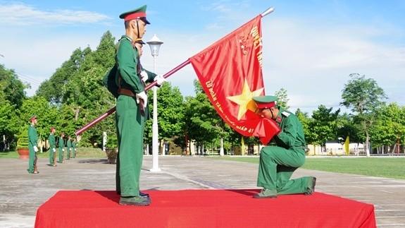 Chiến sĩ mới Lữ đoàn Tăng - Thiết giáp 416 (Quân khu 9) tuyên thệ