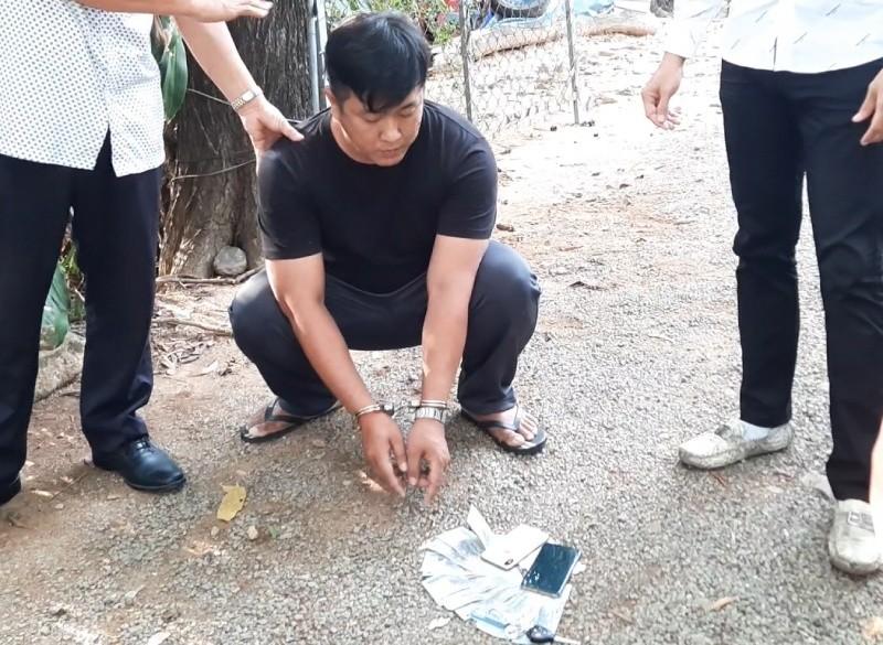 Bắt quả tang một cảnh sát hình sự cưỡng đoạt 150 triệu đồng