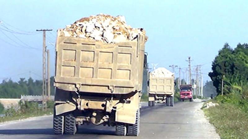 Chở hàng quá trọng tải, chủ xe có thể bị phạt tới 40 triệu đồng
