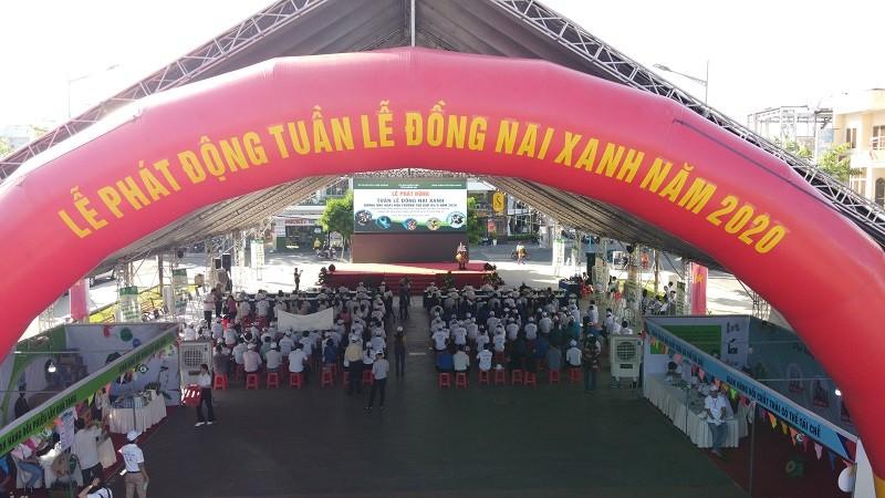 Đông đảo người dân tham gia chương trình Tuần lễ Đồng Nai xanh