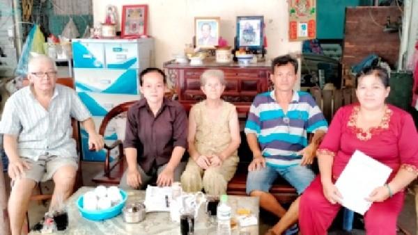 Quận 6, TP Hồ Chí Minh: Vướng tranh chấp đất, một gia đình bị cắt hộ khẩu 15 năm nay