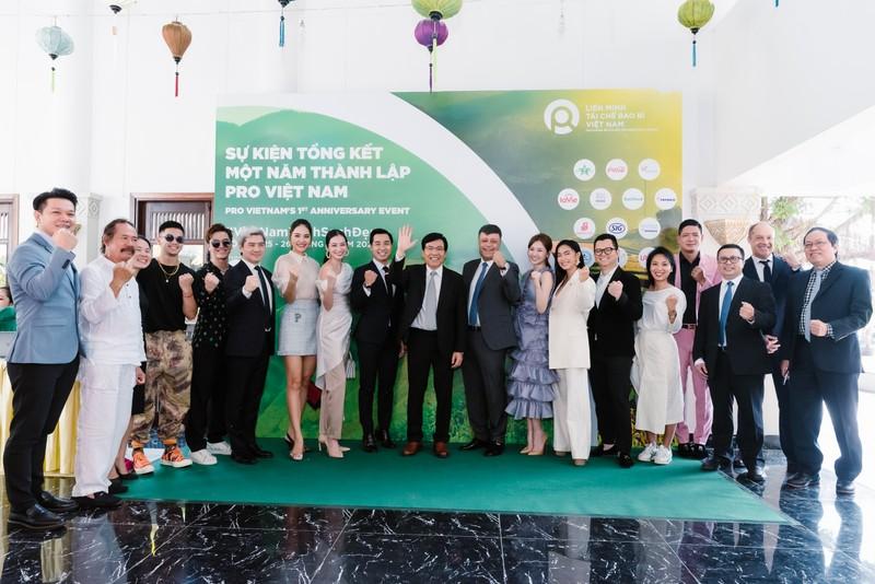 Xây dựng văn hóa tái chế bao bì văn mình cùng nghệ sỹ Việt