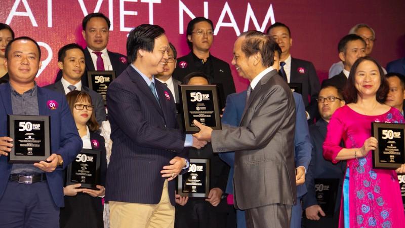 """Phát Đạt đứng thứ 6 trong Bảng xếp hạng """"50 Công ty Kinh doanh Hiệu quả nhất Việt Nam 2019"""""""
