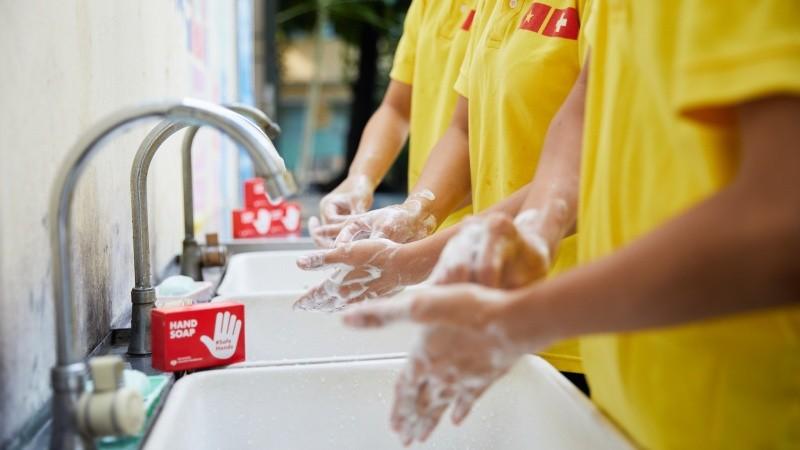 UNICEF Việt Nam trao tặng 250.000 bánh xà phòng ngăn ngừa dịch Covid-19