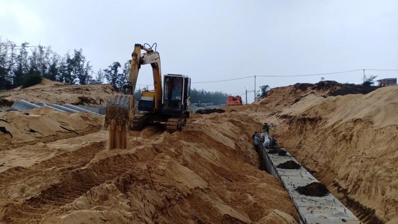 Công trình đường số 14 (TP Tuy Hòa) đang thi công, nhưng không có đất để san lấp nền