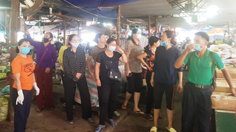 Một số tiểu thương tại chợ Sóc Sơn
