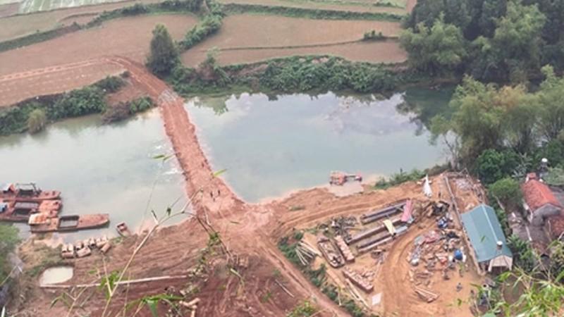 """Công ty Sơn Thủy tự ý mở đường cắt sông Trung làm đôi: Lạng Sơn bất ngờ cho... """"hợp thức hóa"""" vi phạm"""