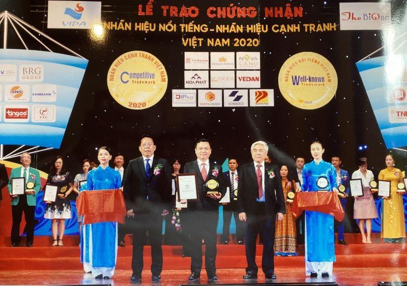 Phương Trang lọt vào Top 20 nhãn hiệu nổi tiếng nhất Việt Nam