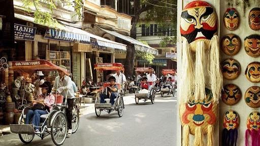 """""""Tham quan phố cổ Hà Nội"""" là một sản phẩm du lịch đầy tiềm năng, hấp dẫn khách du lịch."""