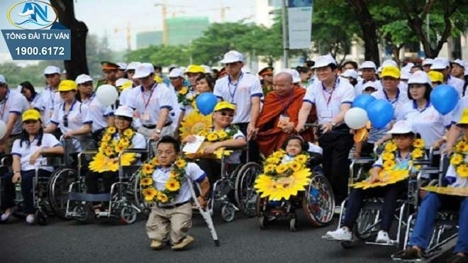 Người khuyết tật cần sự giúp đỡ của cộng đồng.