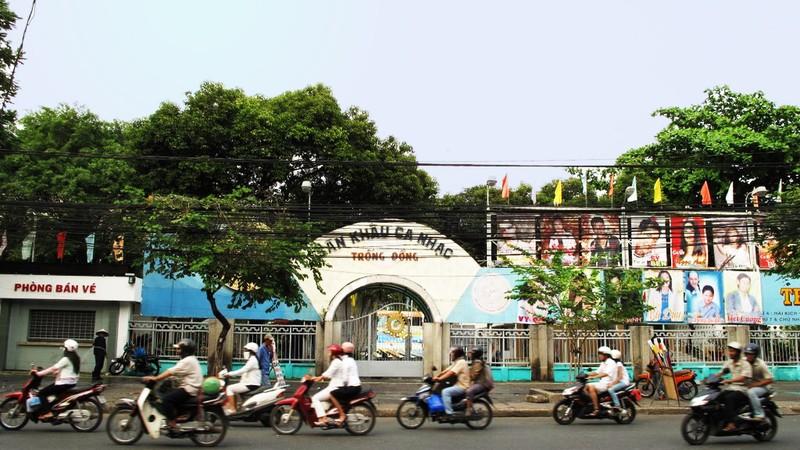Khu vực sân khấu Trống Đồng dự kiến sẽ có bãi đậu xe ngầm công cộng, kết hợp thương mại, dịch vụ và sân khấu.