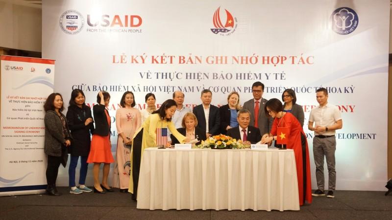 Bảo hiểm xã hội Việt Nam và USAID tại Việt Nam ký bản ghi nhớ hợp tác về việc hỗ trợ thực hiện chính sách bảo hiểm y tế.