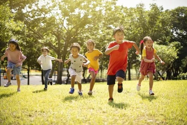 Môi trường và không gian sống ảnh hưởng trực tiếp tới tương lai trẻ nhỏ (Ảnh: Internet)