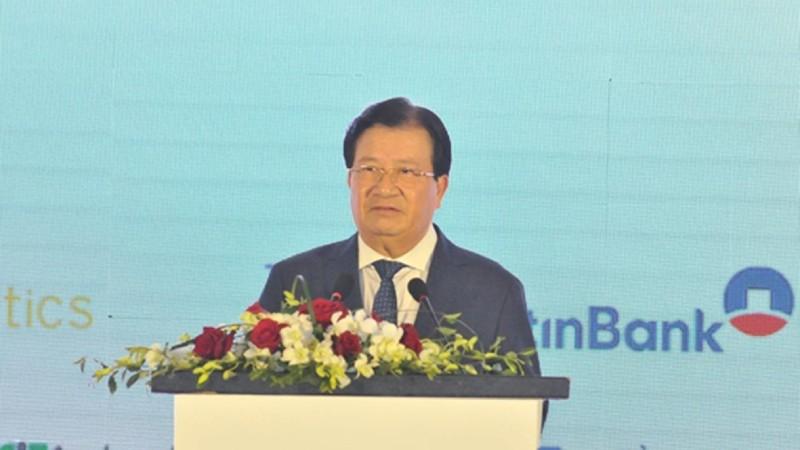 Phó Thủ tướng Trịnh Đình Dũng khẳng định Chính phủ vẫn đang quan tâm, giải quyết vấn đề chi phí logistics.