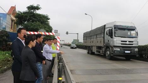 Hệ thống cân kiểm tra tải trọng xe tự động trên QL5.
