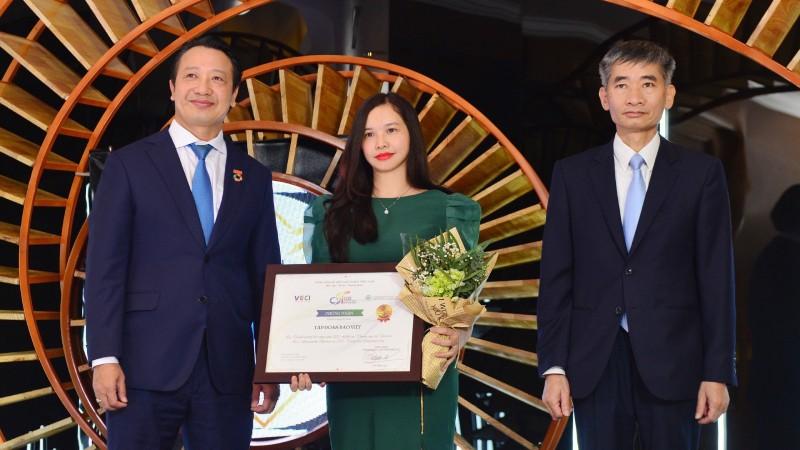 Bảo Việt được vinh danh trong Top 10 Doanh nghiệp bền vững nhất Việt Nam 5 năm liên tiếp