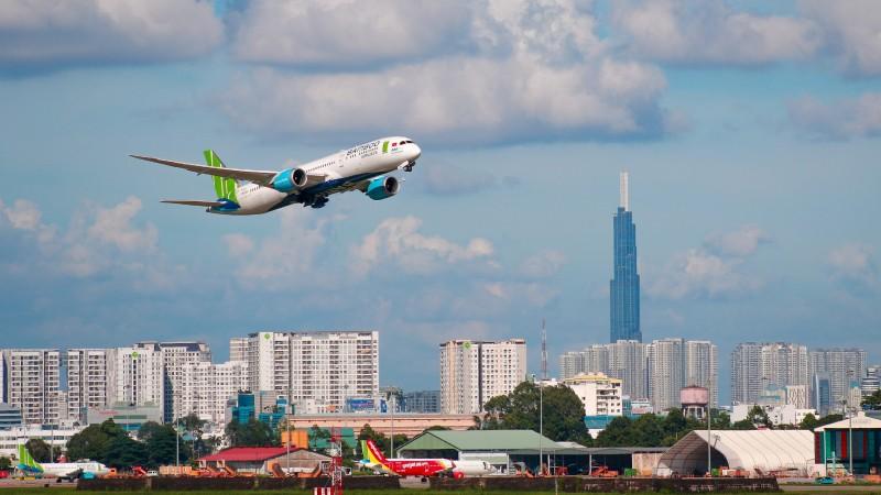 Doanh thu bay nội địa giúp các hãng bay ít thua lỗ. (Ảnh minh họa)