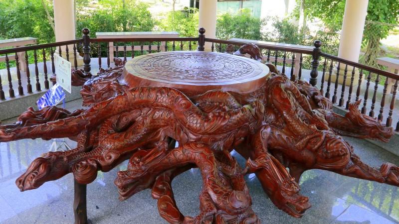 Kỷ lục điêu khắc trong Khu di tích Nguyễn Sinh Sắc